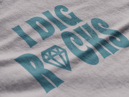 I dig rocks on a light gray t-shirt.