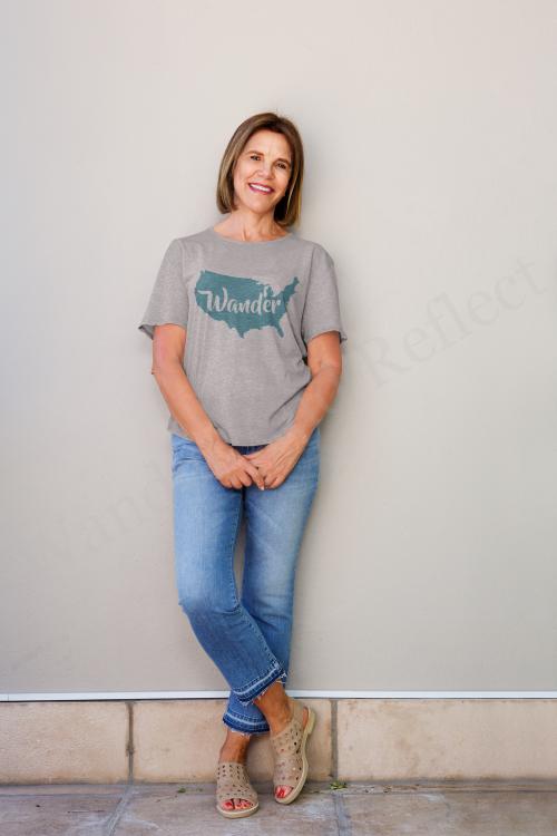 Wander America heather t-shirt.